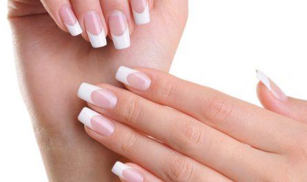 prostowanie paznokcia
